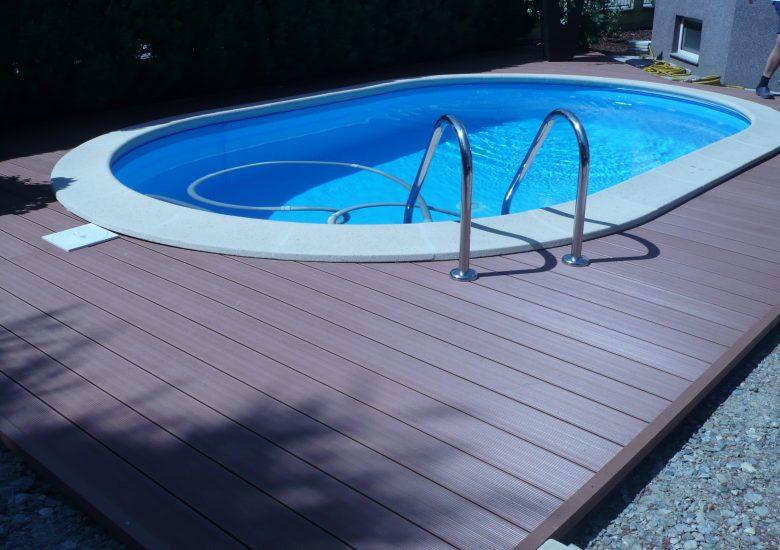 Deska tarasowa kompozytowa, kolor Orzech - wykończenie basenu