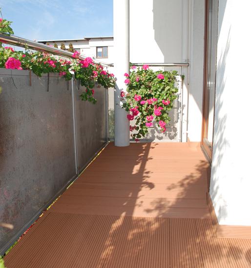 Deska kompozytowa Klassik, kolor Bangkirai. Balkon prywatny - Wawer.