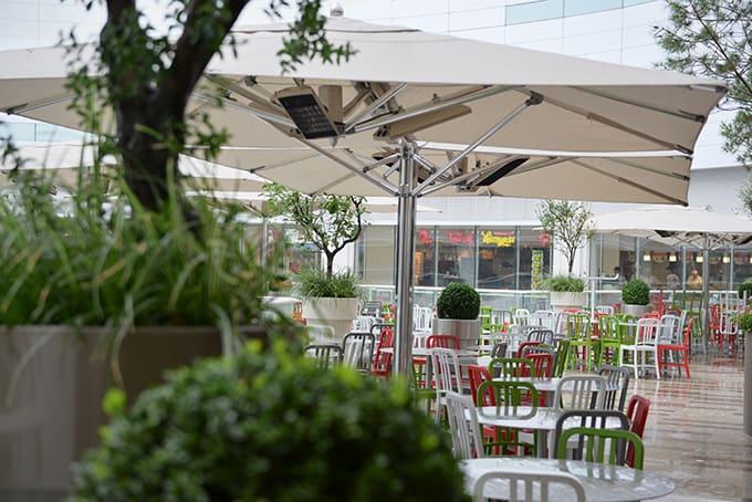 Ogródek gastronomiczny w centrum handlowym Akasya. Realizacja w Turcji.